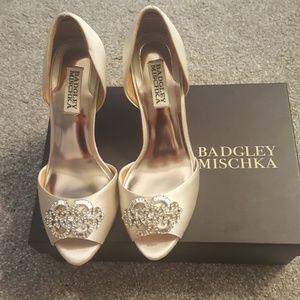 Badgley Mischka Wedding Shoes Heels in Ivory